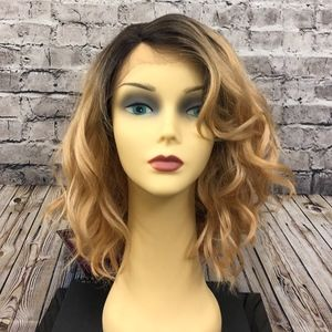 Magic 175 lace front wig DYX4/Blonde NWT